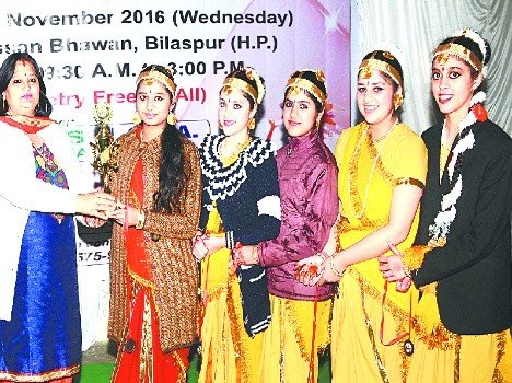 sharya win singal dance compitition.
