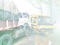 fatehabad, fog, accident, road accident, 2 dead, 6 injured,  fatehabad,  harayana