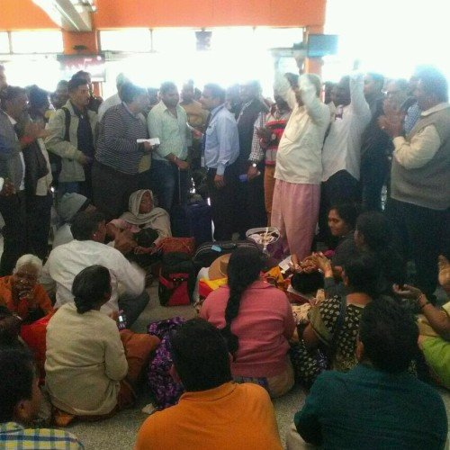 passengers protest at amausi airport in lucknow