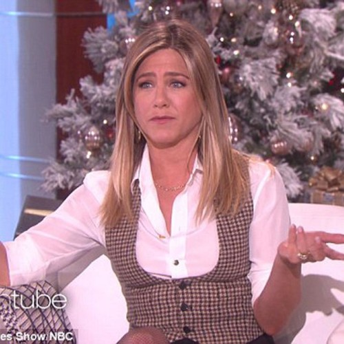Jennifer Aniston admits on having sex with a pilot in the cockpit