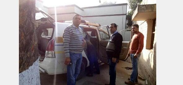 150 Crore, cash van, firing in cash van, chandigarh news, security officer