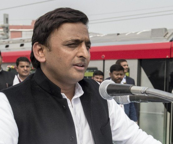 akhilesh yadav attacks on modi govt on lucknow metro inaugration.