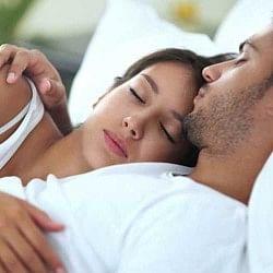 बिस्तर पर जाते ही भूलकर भी ना करें ऐसी गलतियां, नींद हो जाएगी कोसों दूर