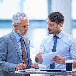 बॉस से नजदीकी के फायदे कम मुश्किलें ज्यादा!