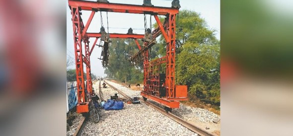 Panchkula Major disaster averted, track Dbling machine derails