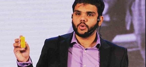 मोदी के मेक इन इंडिया का हीरो 42 लाख की नकली नई करेंसी के साथ अरेस्ट