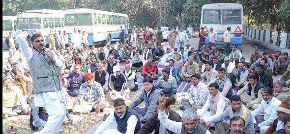 roadways, bus, protest, worker, rohtak, haryana