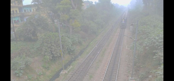 Fog dirupts train traffic, Railway cancels 32 trains