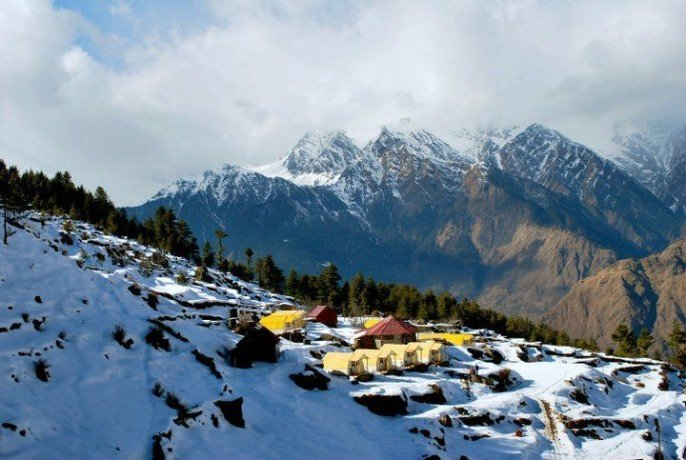 honeymoon hut in auli