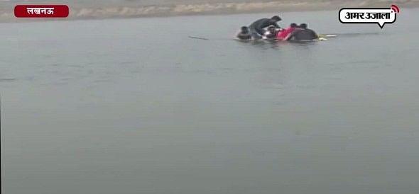 गोमती में नाव पलटने से पांच की मौत