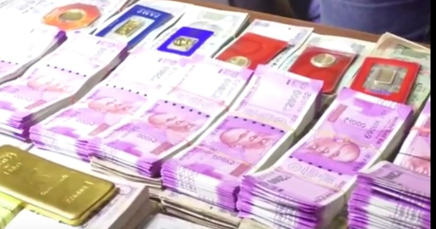 code of cunduct: 37 lakh cas seized by police in three district of poorvanchal