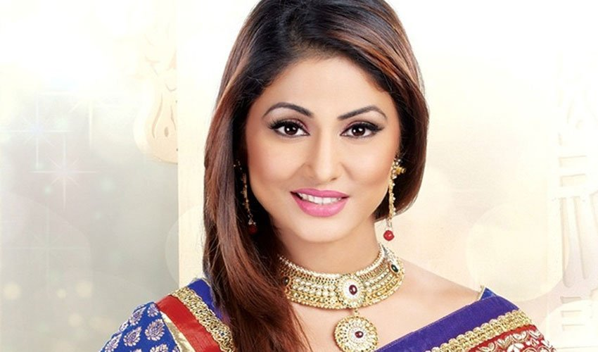 hina khan enjoys her lonawala vacations