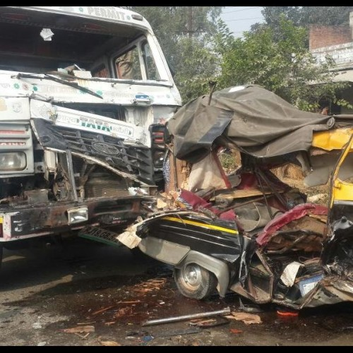 Major accident on Bhadohi-Varanasi highway, killed four