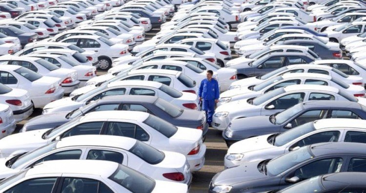car market gears up for festive season, dealers offering discount upto 1.5 lakh rupees