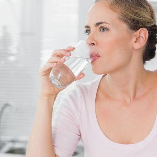 Image result for शरीर में पानी की कमी न होने दें-