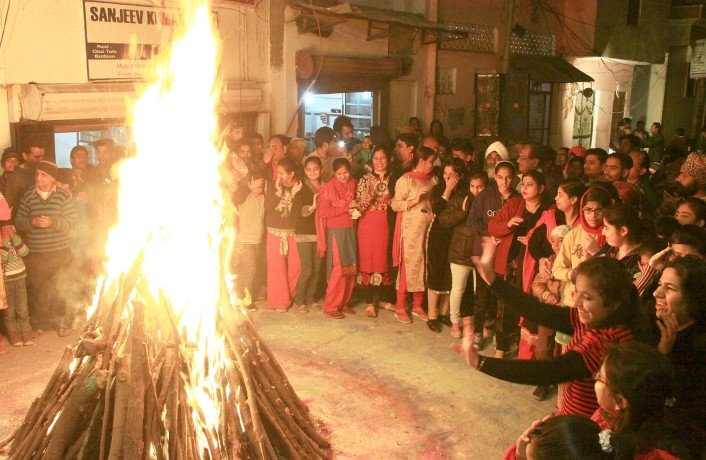 lohri celebrated