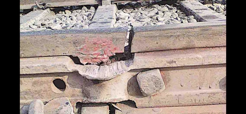 track fracture in amroha