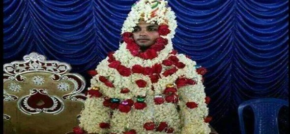 funny dress of indian grooms goes viral over internet