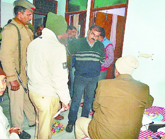 robbery in ganga nagar in a bussiness men house