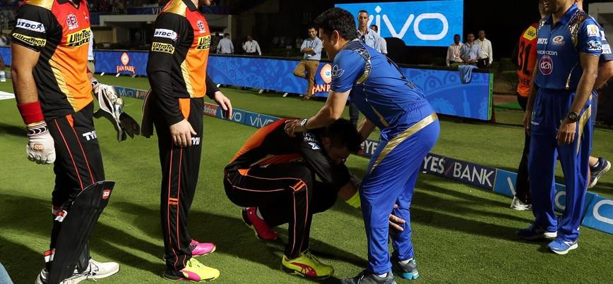 Sachin Tendulkar calls me a superstar which is a little embarrassing, says Yuvraj Singh