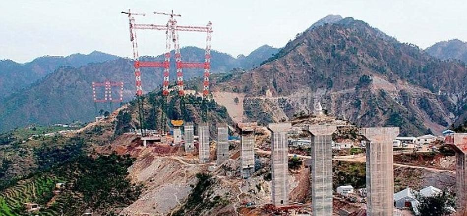 engineers makes extra ordinary structures in moving mountains of jammu and kashmir