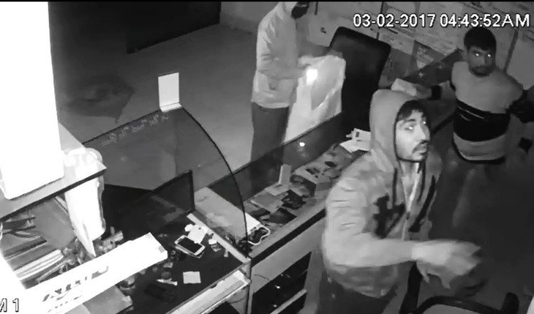 CCTV Footage of Bilaspur Mobile Shop Theft.