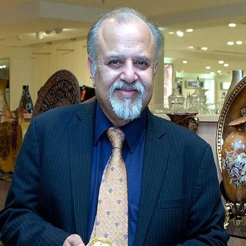 How Micky Jagitiani Of Landmark Group Became So Successfull Success Story