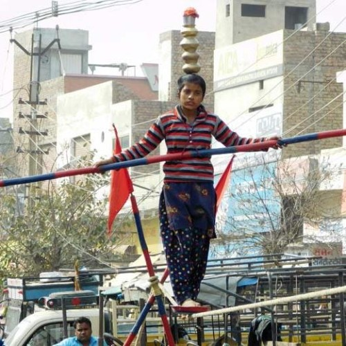 horrible stunts on rope by 11 years old brave girl jyoti at abohar of punjab