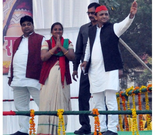 akhilesh yadav campaigns in Lucknow.