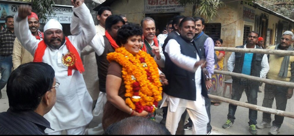 sp and cogress candidate fight election from varanasi cantt assembly seat