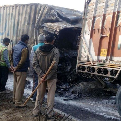 two people burnt alive in sitapur road accident