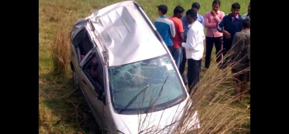car accident in ballia. four person injured