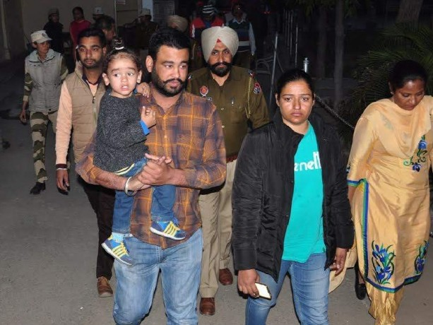 Siblings of property dispute, DIG commotion in the office, tried to fire brother, Case Patiala