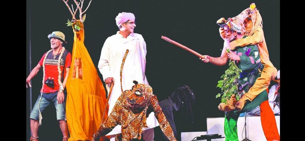 The first arrived in the festival film director Prakash Jha Delhi, lodged presence of his play