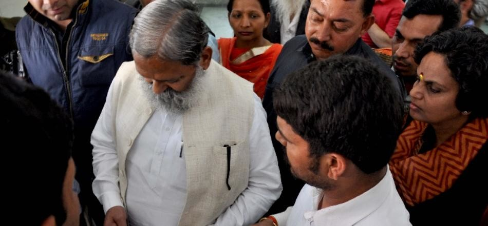 anil vij demands compansation for dera premi killed in panchkula violence