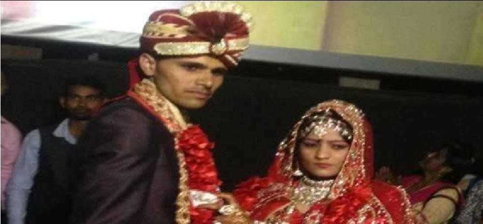 unique wedding in movie theatre without band baja and dowry during gurmeet ram rahim movie show