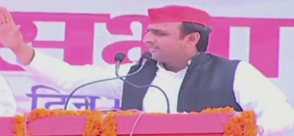 akhilesh yadav addresses election rally in deoria in up