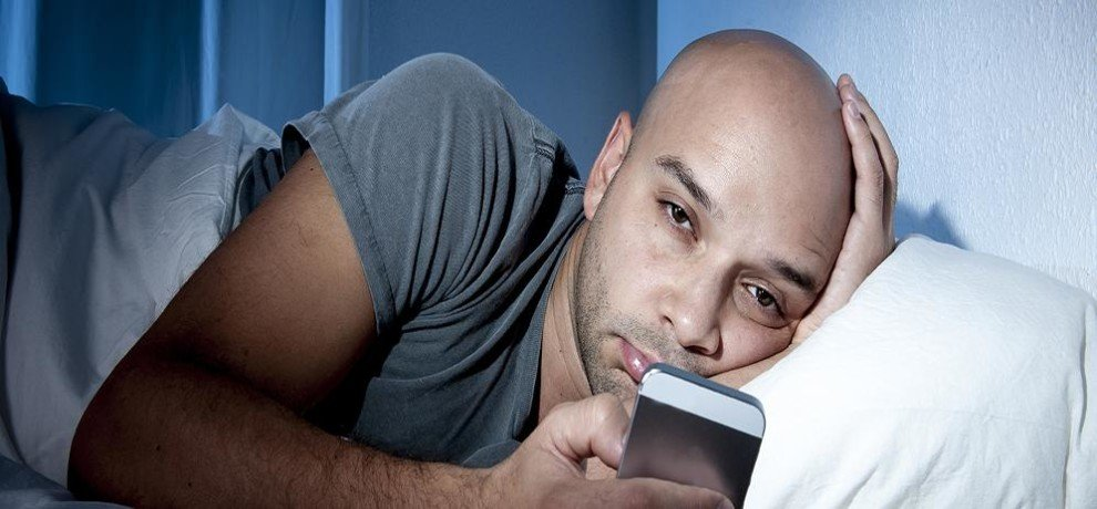 Using mobile phones and tablets bed affecting sleep warn scientists
