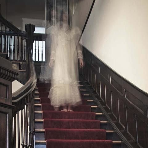 Ghostly story of the heartbroken bride who haunts a hotel