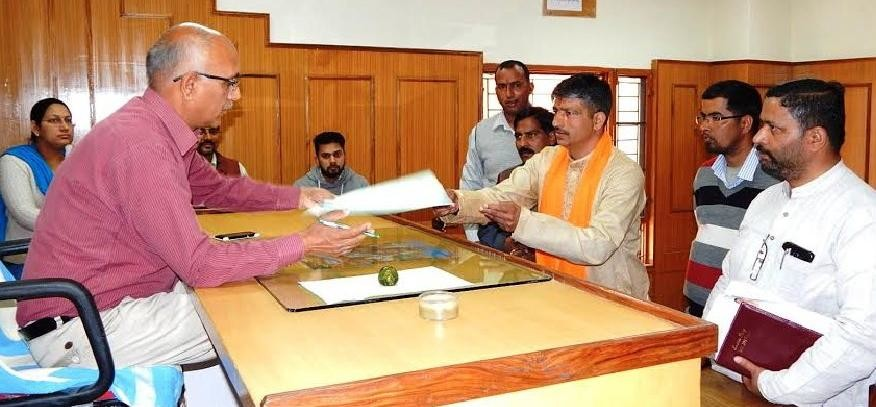 Bhoranj BY-Election, BJP Leader Pawan Kumar Filled Nomination as independent   Candidate.
