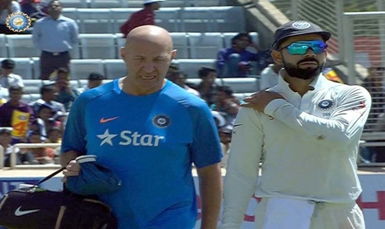 indian cricket team physio Patrick Farhart was disrespected by Australian players: virat kohali