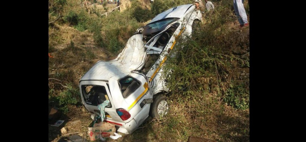 tavera meet with accident in pauri, two killed