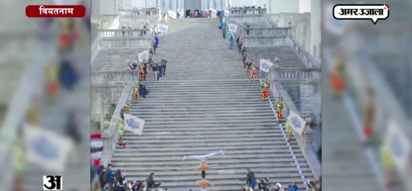 Brothers smash record for most stairs climbed with a person on the head