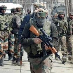 कश्मीर: बड़गाम मुठभेड़ में एक आतंकी समेत 4 की मौत, 63 जवान घायल