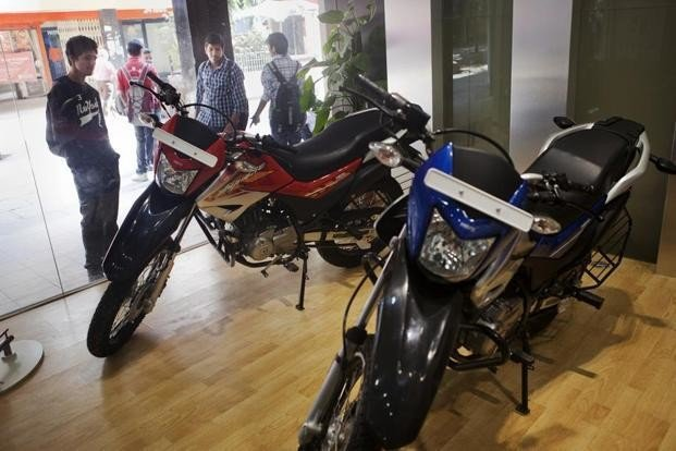 hero and honda offers huge discount on their bikes to sell the inventory fast
