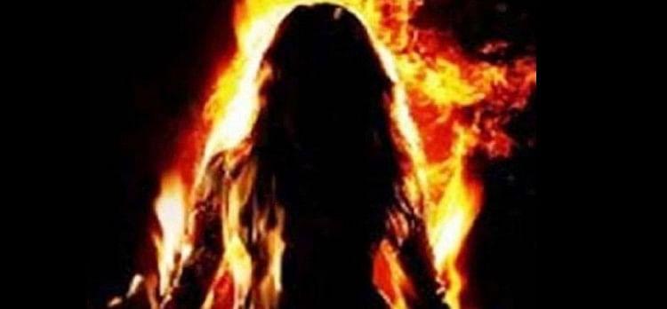 बरेली: देवरानी से झगड़ा होने पर जेठानी ने केरोसिन डालकर खुद को लगाई आग