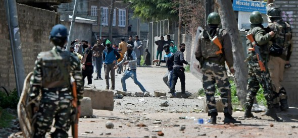 encounter with terrorists and army in pulwama
