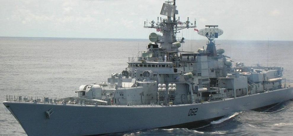 a bulk carrirs rescued fro pirates by indian chinese and pakistan warships in gulff of aden