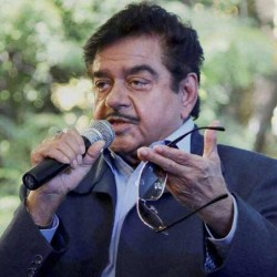 भाजपा सांसद शत्रुघ्न सिन्हा बोले- PM मोदी के 90 फीसदी मंत्री 'चापलूस'
