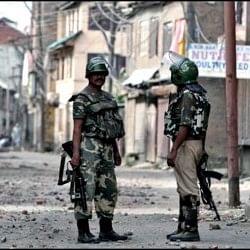 कश्मीर घाटी में 22 सोशल नेटवर्किंग साइटें एक महीने के लिए बैन,राज्य सरकार ने लिया फैसला